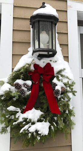 2020 Christmas wreath in snow